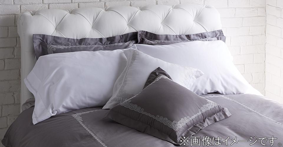 重厚感のあるエレガントな寝室に