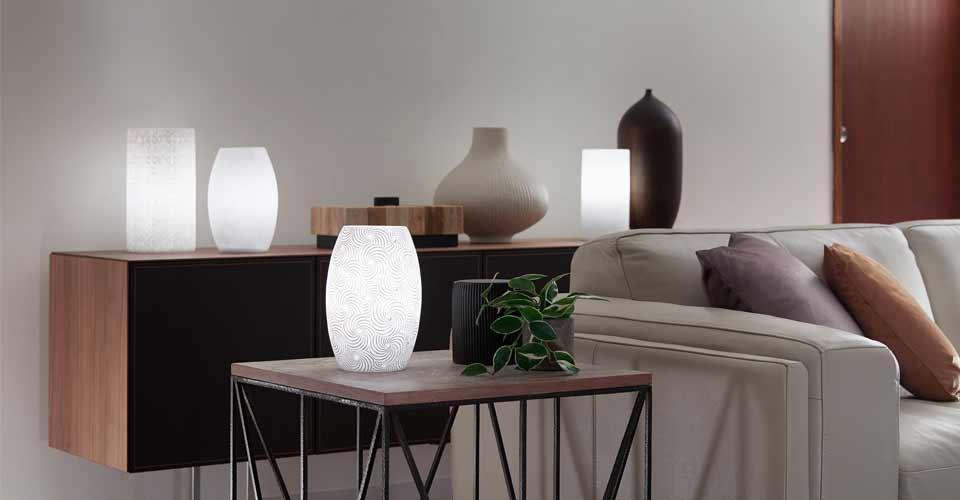 幻想的に照明全体が光るやさしい素材感が魅力