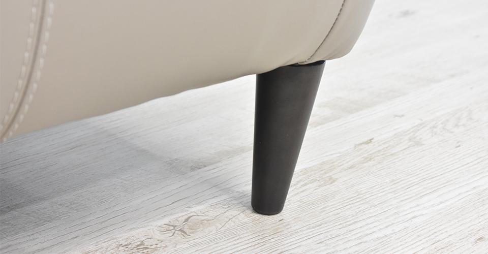 すっきりとしたデザインの脚