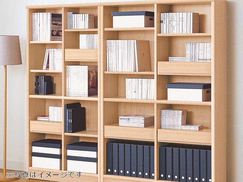シンプルなオープンタイプの書棚なので、アレンジ自由自在